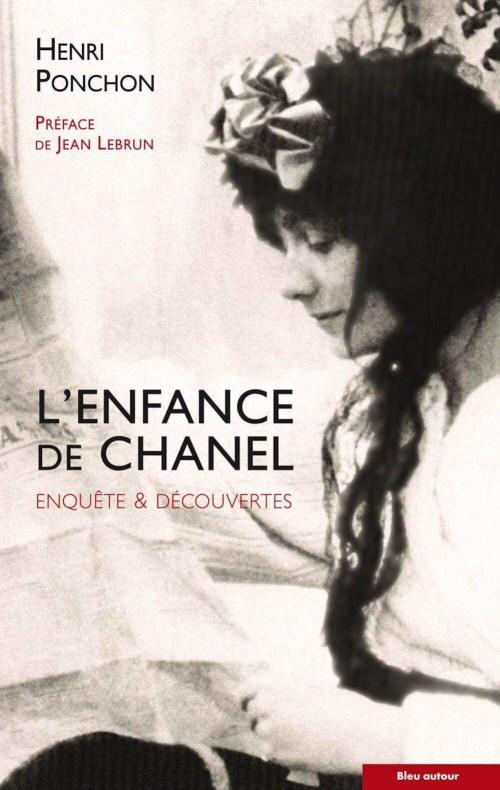 Couverture du livre l'enfance de Chanel