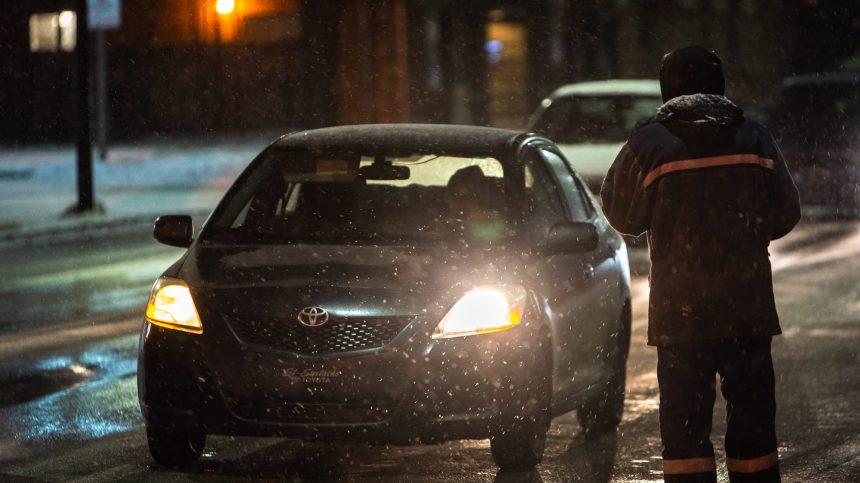 Couvre-feu: une personne «à un doigt de la rue» reçoit une amende salée