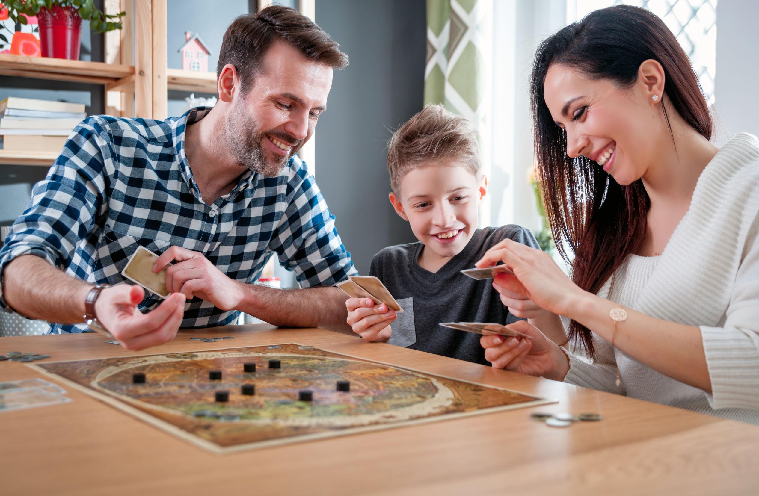 Les meilleurs jeux de société pour s'amuser en famille