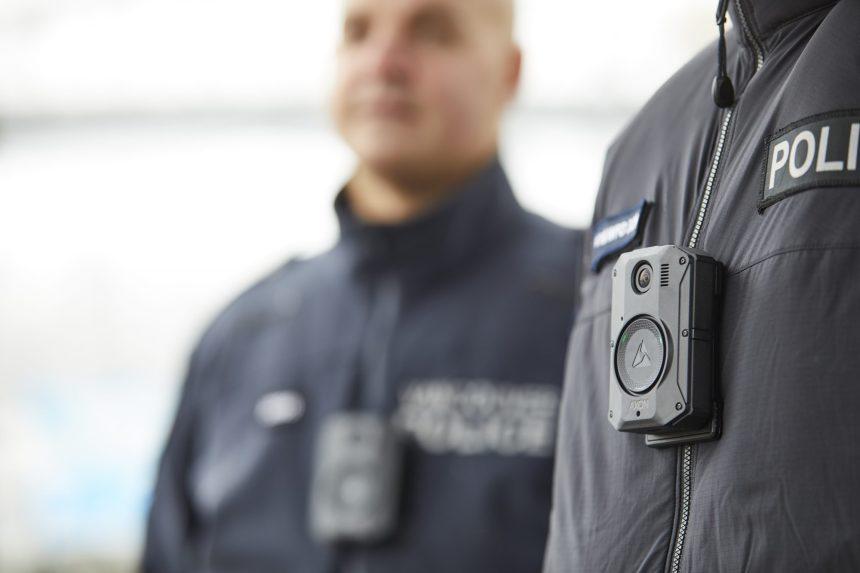 Caméras corporelles pour les policiers: l'administration Plante reporte le dossier