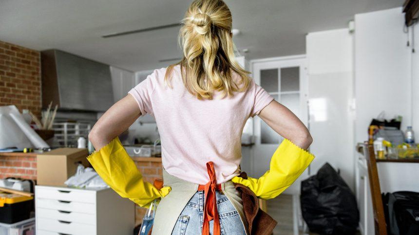 Les inégalités persistent dans les tâches ménagères