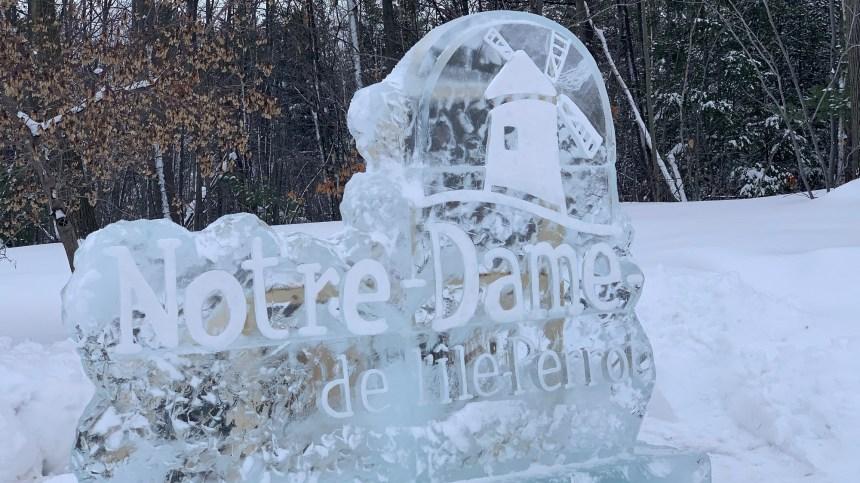 Nouvelles sculptures de glace à Notre-Dame-de-l'Île-Perrot