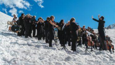 «Requiem pour un glacier» de Paul Walde Écologies est présentée au Musée des beaux-arts de Montréal jusqu'en février 2022.