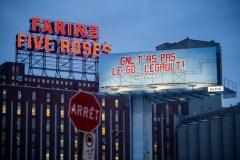 GNL Québec: Greenpeace déploie une bannière à Montréal