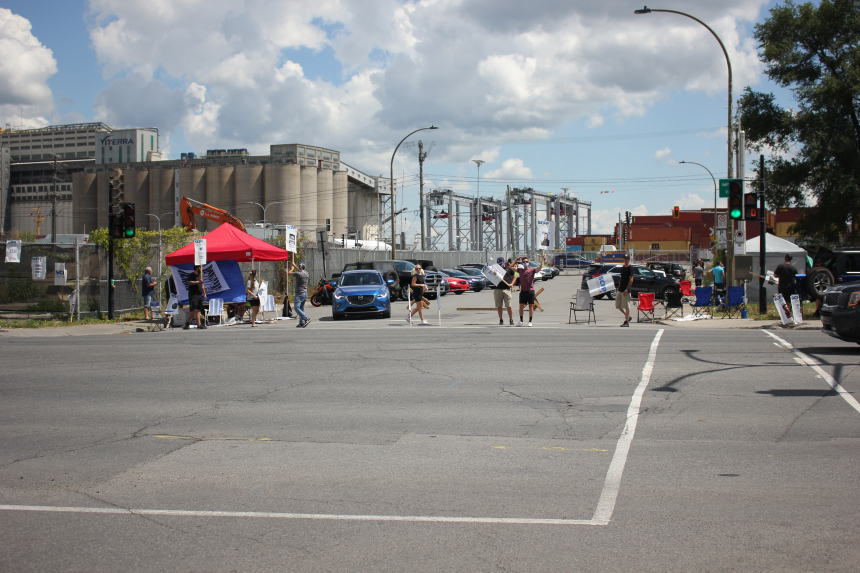 Port de Montréal: les débardeurs rejettent massivement l'offre patronale