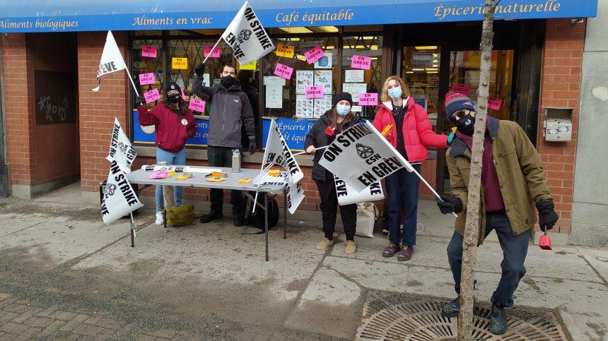 Les employés d'Aliments Merci en grève sur Masson