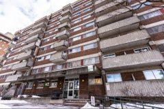 Logement: dénonciation des HLM décrépits et à moitié vides à Montréal