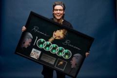 Plus de 100 000 albums vendus pour Roxane Bruneau