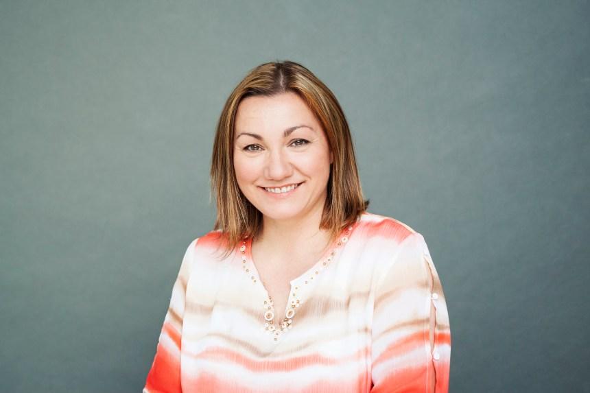 Nancy Thomas: écrire pour intéresser les jeunes à la lecture