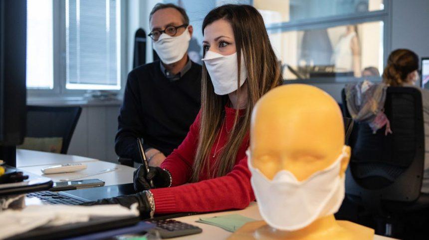 Le masque médical obligatoire en continu au travail