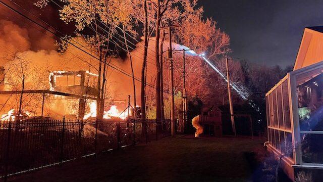 Le palais montréalais du propriétaire de Pornhub détruit par un incendie