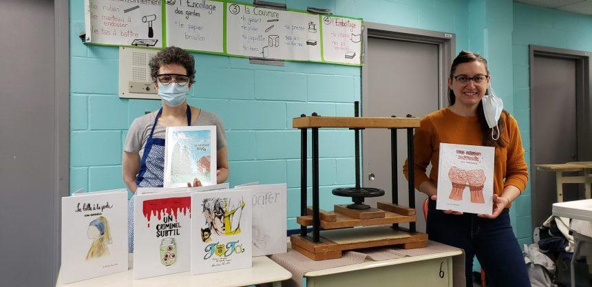 L'écriture et la reliure de livre pour s'évader à l'école secondaire Jean-Grou