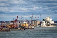 Le PDG du Port de Montréal exige une entente entre les débardeurs et l'AEM