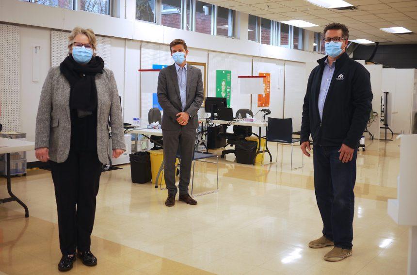 AstraZeneca: des élus de l'Est incitent à se faire vacciner