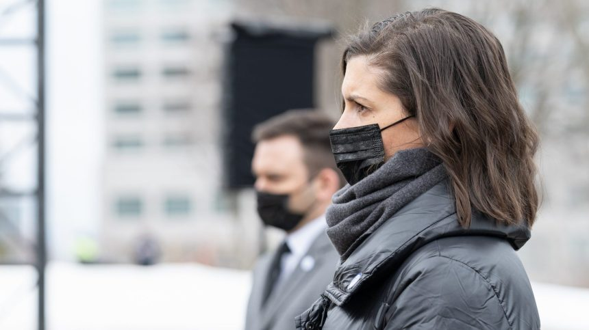 Féminicides: Québec veut assurer une meilleure surveillance des hommes violents
