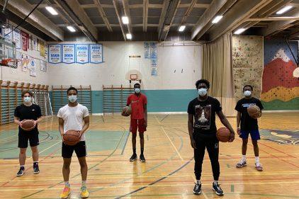 Un grand saut pour cinq basketteurs de l'école Jeanne-Mance