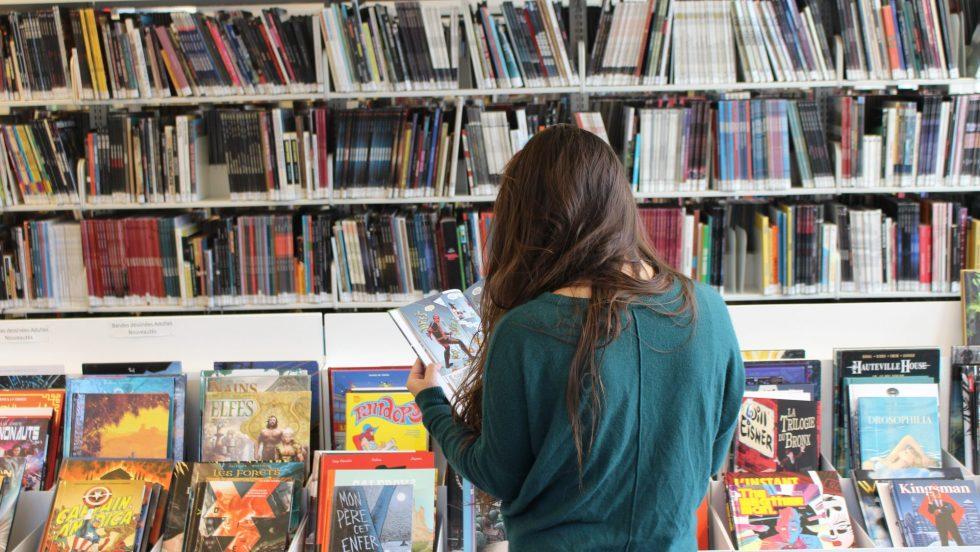 Pour souligner le mois de la BD, la bibliothèque organise un atelier en ligne avec Lucile de Pesloüan le 15 Mai à 14h