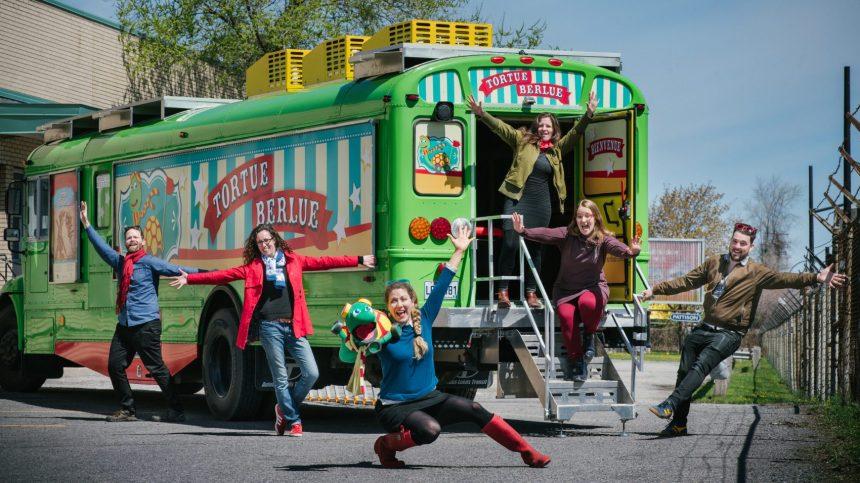Le Théâtre Tortue Berlue part en tournée avec son nouvel autobus-théâtre