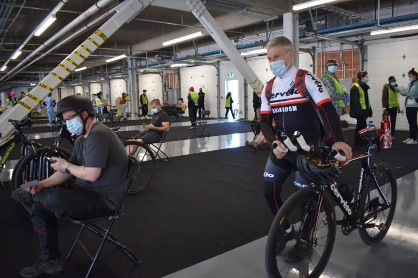 Vaccination: un «pit stop» pour cyclistes au circuit Gilles-Villeneuve