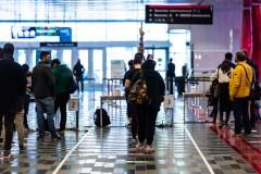COVID-19: les nouveaux cas et les éclosions en baisse au Québec