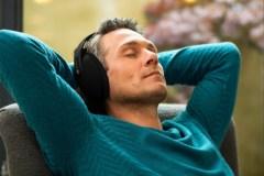 Ce casque d'écoute ultra confortable nous aide à relaxer et nous endormir paisiblement