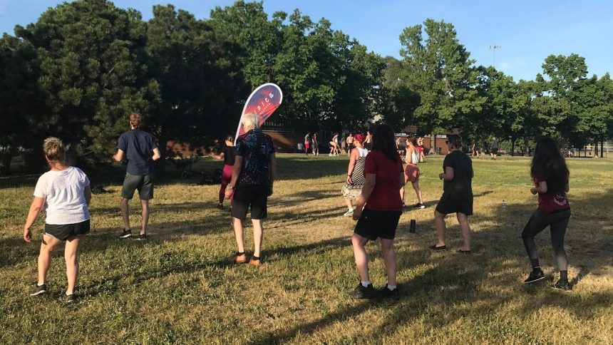 Des cours de bachata offerts au parc Villeray pour l'été