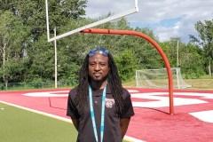 Les multiples casquettes de «l'entraîneur social» Fritznel Cazeneuve