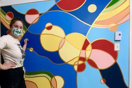 Zoë Gelfant: une artiste passionnée par les murales