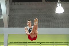 Un trampoliniste de l'ÉTS récompensé pour ses résultats académique