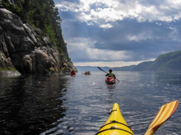 a_la_file_indienne (c)Fjord en kayak