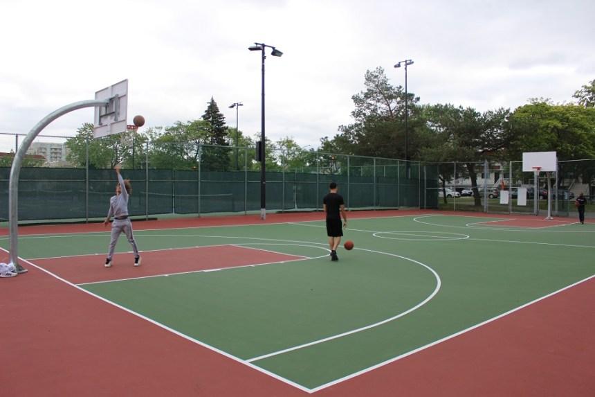 Désengorger le complexe sportif de Saint-Léonard
