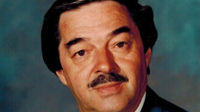 Le portrait officiel de l'ancien maire de Verdun, Raymond Savard.