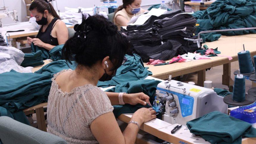 Économie sociale: la Coop Couturières Pop a le vent en poupe
