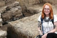 Rachel Archambault, passion de l'archéologie et mains dans le passé