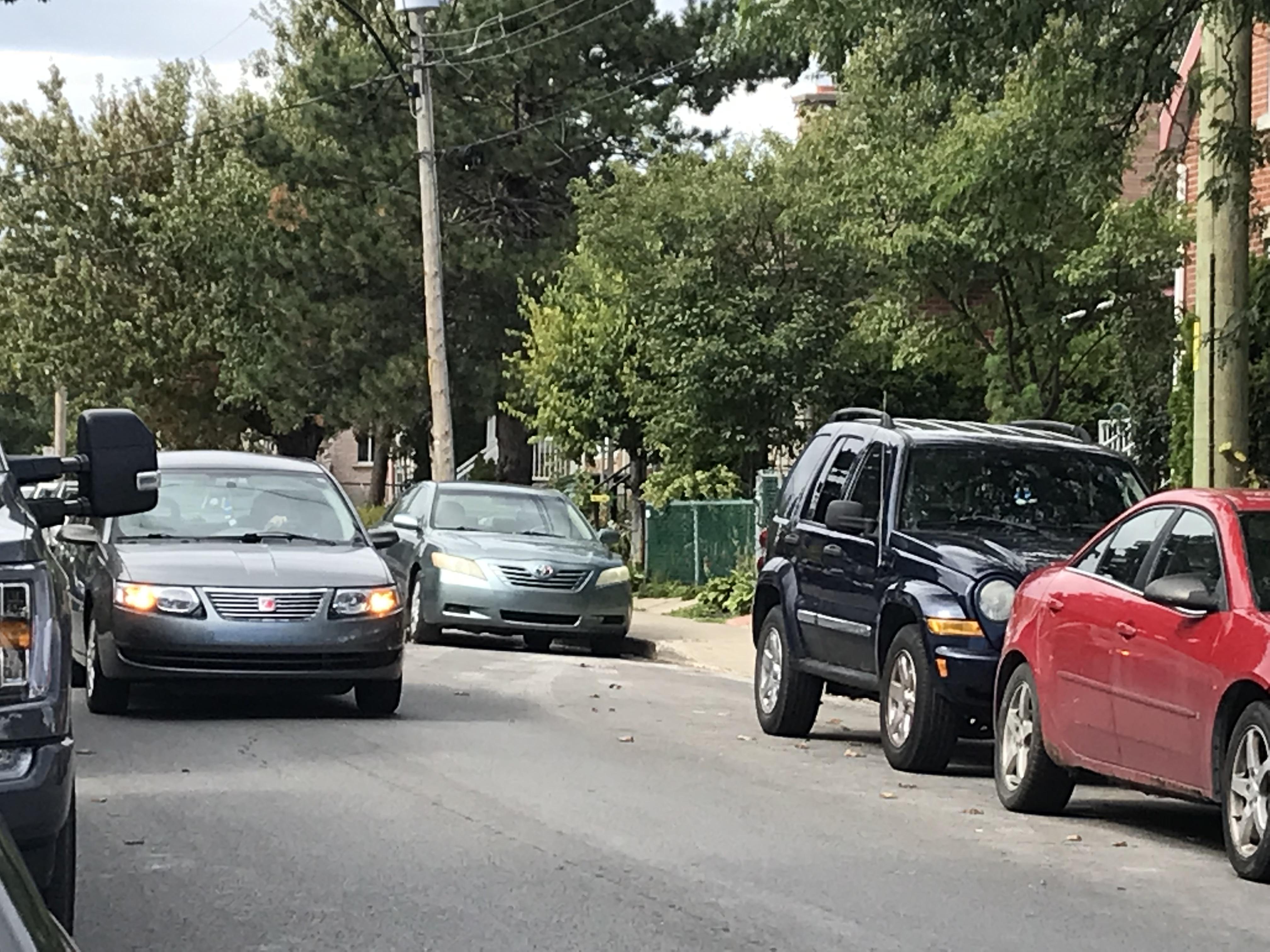 Des citoyens dénoncent la vitesse excessive sur l'avenue Audoin