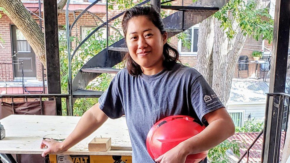 Olivia Naud travaille chez EAC Construction, la première entreprise en construction ouvertement LGBTQ+