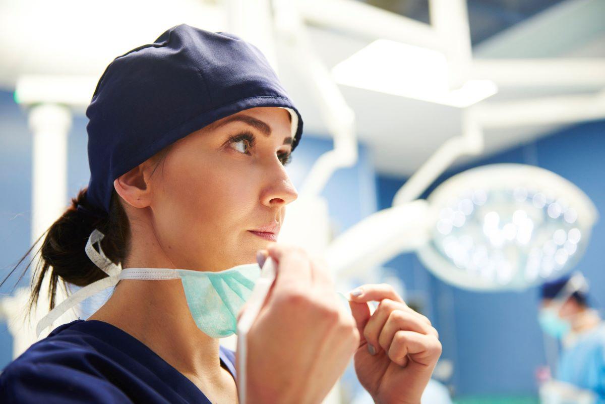 Des infirmières veulent contracter la COVID-19… pour rester au travail