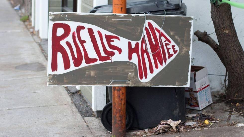 Pancarte de la ruelle hantée