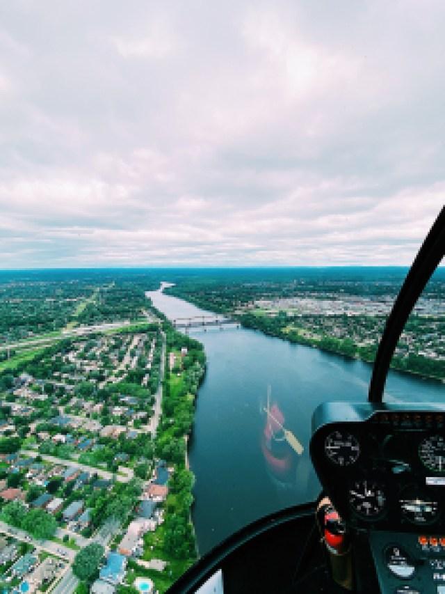 Il n'y a pas mieux qu'une balade dans les airs pour apprécier l'immensité de paysage coloré québécois.