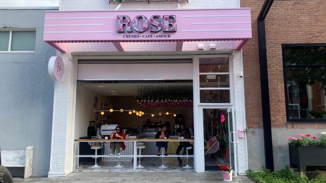Devanture du Rose - Crèmes, Café & Amour